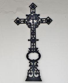 Cruz de Santa Isabel, en el convento sevillano del mismo nombre.