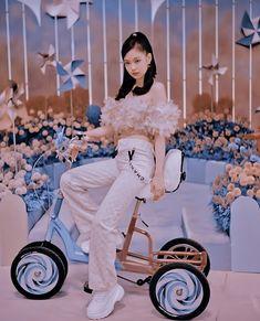 Kpop Aesthetic, Aesthetic Photo, Aesthetic Girl, Blackpink Photos, Cute Photos, Blackpink Jennie, Kpop Girl Groups, Kpop Girls, Chica Cool