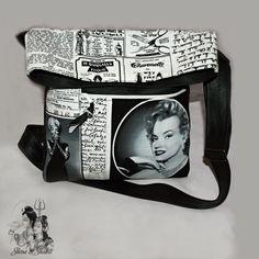 """KABELKA NEJEN CROSS BODY """" CESTOVÁNÍ S MARYLINE """" Módní trendy MALÁ-VELKÁ kabelka """"cross body"""" z černé koženky a bavlny s designem """"Maryline Monroe v novinách"""" Autorská extravagantní kabelka je ušita z pevné eko-kůže (koženky) černé barvy a ze100 % bavlny v odstínech: černo-bílá ze zahraniční dílny firmy Robert Kaufman - exkluzivní edice Hollywood stars. Bavlněné ... Shiva Shakti, Marylin Monroe, Cross Body, Crossbody Bag, Hollywood, Design, Marilyn Monroe, Shoulder Bag"""