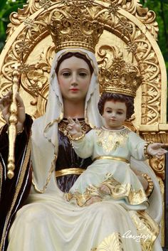 Blessed Virgin Mary and Jesus Jesus Mother, Blessed Mother Mary, Blessed Virgin Mary, Baby Jesus, Mother Mary Wallpaper, Mont Carmel, Images Of Mary, Queen Of Heaven, Mama Mary