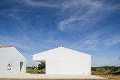 Gallery of Monte da Azarujinha / Aboim Inglez Arquitectos - 19