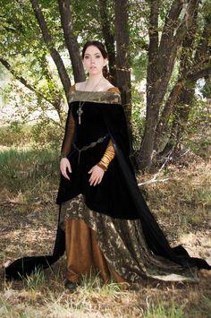 Items similar to CUSTOM Century Medieval/Renaissance/Historical Gown on Etsy Mode Renaissance, Renaissance Costume, Medieval Costume, Renaissance Clothing, Renaissance Fashion, Historical Clothing, Medieval Dress, Medieval Fair, Fantasy Dress
