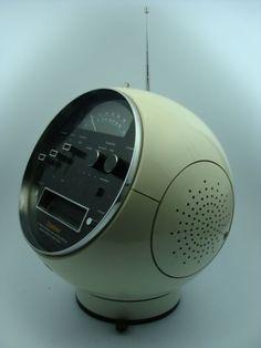 Vintage Weltron 2001 Spaceball 8 Track Radio.