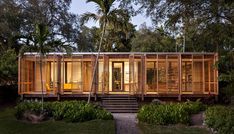 LIVING IN THE LANDSCAPE: This sf house, which draws upon the American glass pavilion typology, Dog Trot, and principles of Florida Modernism, provides a tropical refuge in Downtown Miami. Vernacular Architecture, Architecture Design, Residential Architecture, Nachhaltiges Design, Design Blogs, Design Trends, Modern Design, Glass Pavilion, Building A Container Home