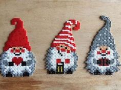 Christmas ornaments hama mini beads by _starups_perlerier_ (Diy Ornaments Kids) Hama Beads Design, Diy Perler Beads, Hama Beads Patterns, Perler Bead Art, Beading Patterns, Peyote Patterns, Hama Mini, Christmas Perler Beads, Iron Beads