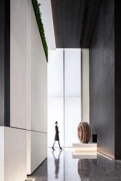 极简高级灰,静谧与光明! | 深圳31设计-建e室内设计网-设计案例 Lobby Interior, Interior Design, Sales Center, Artistic Installation, Corridor, Home Decor, Hotels, Landscape, Nest Design