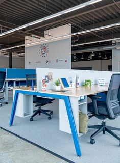 Kimball has collaborated with MKDA to design the headquarters for the Philadelphia located in Camden, New Jersey. Kimball partnered with the Office Team, Loft Office, Open Office, Office Setup, Office Table, Commercial Furniture, Commercial Interiors, System Furniture, Office Furniture