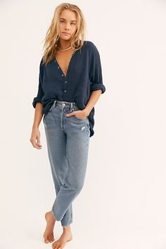 Fast Times High Rise Mom Jeans by We The Free at Free People Denim, Medium Wash, 31 Jeans And T Shirt Outfit, Jeans Outfit Summer, Casual Shirt, Shirt Men, Casual Jeans, Men Casual, Casual Summer Outfits, Cute Outfits, Stylish Outfits
