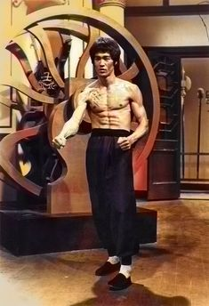 Jackie Chan, Bruce Lee Kung Fu, Tiger Dragon, Bruce Lee Photos, Jeet Kune Do, Hollywood, Area 51, Good Looking Men, Martial Arts