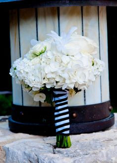 White Bridal Bouquet // Photo: Studio563 // Design: Liv by Design