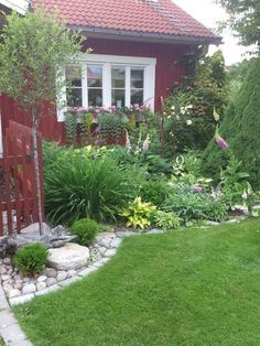 Cottage Garden Ideas to Create Perfect Spot A cottage garden's greatest appeal is that it seems to lack any conscious design. But even a cottage garden needs to be controlled. Some of the most successful cottage gardens start with a… Continue Reading → Swedish Cottage, Cottage Garden Design, Cottage Gardens, Outdoor Projects, Dream Garden, Garden Inspiration, Beautiful Gardens, Garden Landscaping, Outdoor Gardens