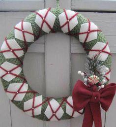 DIY Christmas Wreaths for Front Door - Yarn & Felt Front Door Wreath - Click Pick for 24 Easy Christmas Decorating Ideas