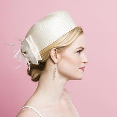 Grace ~ Ivory #SaltFaceScrub Millinery Hats, Pillbox Hat, Fascinator Hats, Fascinators, Headpieces, Fancy Hats, Big Hats, Love Hat, Wedding Hats