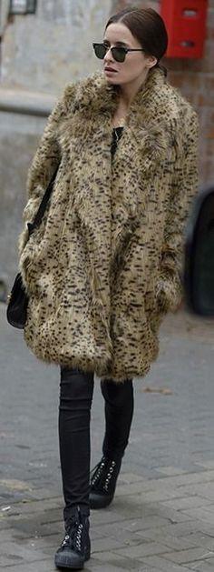 Style On: Street Style: leopard fur #style