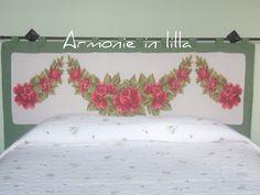 Testata del letto ricamata a punto croce Head of the bed embroidered cross-stitch
