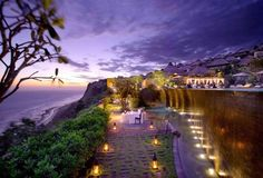 5 Star Accommodation in Bali. Experience the exotic charm of one of the most exclusive, romantic and luxury resorts in Bali! Resort Em Bali, Bulgari Resort Bali, Resort Spa, Places Around The World, Around The Worlds, Beautiful World, Beautiful Places, Amazing Places, Bvlgari Hotel