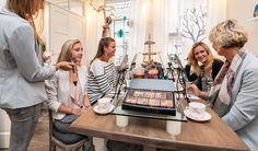 VIP Make-over  mini high tea  Workshop kleuranalyse en stylingtips Visagie aangepast op jouw gezicht Incl. fotoshoot en mini (kerst) high tea  EUR 17.95  Meer informatie  #vakantie http://vakantienaar.eu - http://facebook.com/vakantienaar.eu - https://start.me/p/VRobeo/vakantie-pagina