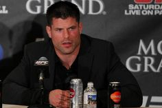 Brian Stann breaks down Conor McGregor vs. Nate Diaz...      Count Brian Stann among those who feel the UFC made the correct call in giving Nate Diaz the replacement nod against Conor McGregor. There were several option to replace injured lightweight champion Rafael dos Anjos against the featherweight champion on Saturday at UFC 196 in Las Vegas,......http://bit.ly/21NrJTy