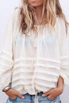 gorgeous white cotton blouse for summer. #weekend #casual via #thedailystyle