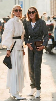 Fashion Tips 101 Day 4 Fashion Week how to wear white boots street style wome. - Tips 101 Day 4 Fashion Week how to wear white boots street style wome. Fashion Mode, Look Fashion, Trendy Fashion, Autumn Fashion, Womens Fashion, Fashion Trends, Classy Fashion, Trendy Style, Suit Fashion