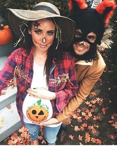 Cute Maternity Scarecrow Halloween Costume - https://www.luxury.guugles.com/cute-maternity-scarecrow-halloween-costume/