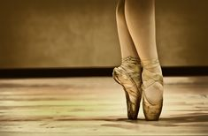 On Pointe by Keith Willette, via 500px