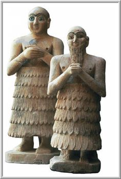 7. Ancient Middle East: Layered kaunakes-type garments worn by the Summerians
