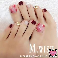 So pretty nails toe nails, nails, pretty toe nails Gold Toe Nails, Pretty Toe Nails, Feet Nails, Love Nails, Pretty Toes, Acrylic Nails, Pedicure Designs, Manicure E Pedicure, Toe Nail Designs