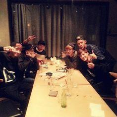 EXO-K share a meal with Super Junior's Donghae and Eunhyuk. Suho Sehun Kai Chanyeol Donghae Eunhyuk