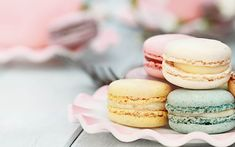 East Village: Making Delicious French Macarons with Atelier Sucre – Gluten Free Recipe in Manhattan, NY - Pastry Desserts Français, French Desserts, Le Cordon Bleu, French Bakery, French Pastries, Gluten Free Cakes, Gluten Free Recipes, French Macaroons, Baking Classes
