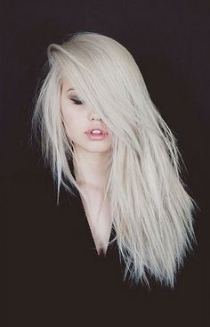 platinum hair, personally I wouldn't suit this color but I think she pulls it off great. Worth pinning to my HAIR collection