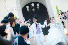 大階段にて祝福の拍手。 #アルカンシエルベリテ #大阪 #アルカンシエル #チャペル #大階段 #祝福 #リボンワンズ #リボンシャワー #結婚式 #結婚式写真 #結婚式準備 #結婚式コーデ #ウエディング #ウエディングフォト #ウエディングドレス #wedding #weddingdress #weddingphotography #bridal #プレ花嫁 #おしゃれ #officecircle #osaka