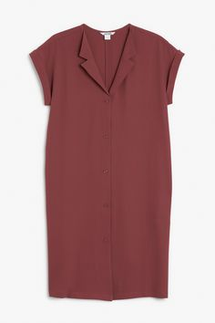 This crêpe-y sleeveless shirt dress gives us novelist-in-a-cafe vibes with its notched lapels and demure buttons. A doubled hem at the arm opening provides extra style and structure  colour: terra plum  In a size small the chest width is 103 cm and the length is92 cm. The model is 176 cm and is wearing a size small.