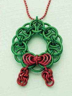 Chainmaille Christmas Wreath #dit #tutorial