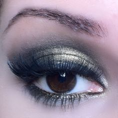 Passo a Passo: maquiagem preta com pigmento.