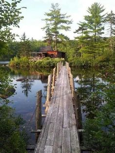 bluepueblo: Island House, Maine photo via kesie Lac Canada, Cabins And Cottages, Cabins In The Woods, Lake Life, Parcs, Interior Exterior, Alaska, Serenity, Places To Go