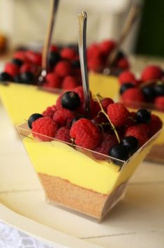 mousse de lamaie Baby Food Recipes, Gourmet Recipes, Cookie Recipes, Dessert Recipes, Cheesecake, Good Food, Yummy Food, Romanian Food, Mousse Cake