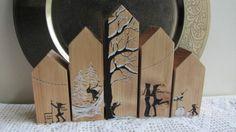 Vijf huisjes in winterse sferen van HoutBijtje. Heb jij interesse in deze huisjes? Kijk dan op de site van HoutBijtje. Je kunt via deze site een bericht sturen voor informatie over aantal huisjes, thema's en prijzen. Ze worden op aanvraag speciaal voor jou gemaakt!