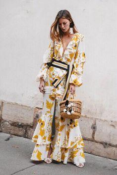 Johanna Ortiz Spring 2018 Ready-to-Wear Fashion Show Collection: See the complete Johanna Ortiz Spring 2018 Ready-to-Wear collection. Look 32 Fashion Mode, Look Fashion, High Fashion, Fashion Show, Fashion Outfits, Womens Fashion, Fashion Design, Fashion Trends, Dress Fashion