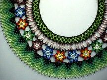 Saraguro collar - Aleja's Flores Pattern is for sale here Beaded Necklace Patterns, Beading Patterns, Beaded Earrings, Crochet Necklace, Bead Jewellery, Beaded Jewelry, Beaded Collar, Craft Patterns, Bead Weaving
