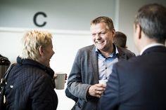 Professionel eventfotograf i Aarhus. Skal i holde en event, et foredrag eller en konference i eller omkring Aarhus, så laver vi stilrene og flotte eventfoto