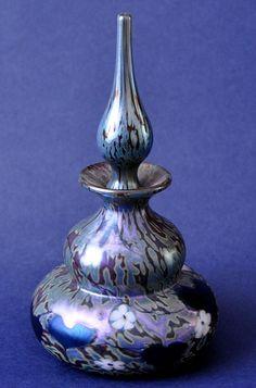 Woodland Perfume by Okra Glass Richard Golding http://www.bwthornton.co.uk/isle-of-wight-richard-golding-bath-aqua-glass.php