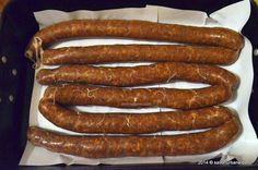 Good Food, Yummy Food, Tasty, Cookbook Recipes, Cooking Recipes, European Dishes, How To Make Sausage, Making Sausage, Romanian Food