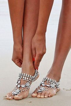 beach wedding shoes foreversoles / http://www.himisspuff.com/beach-wedding-shoes-barefoot-sandals/3/