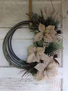 Western lariat rope Christmas wreath - rustic cowboy Christmas - burlap poinsettias, burlap bow, country, farmhouse, ranch, rodeo, team rope