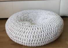 L size Cat dog cave / Crochet cat bed / wool bed / by EVyarns