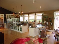 Tracy Porter's kitchen from old house in Wisconsin....luved it so...