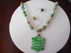 Collar con Quarzo verde, colgante tortuga verde en concha, pendiente tortuga verde, aretes de quarzo verde, gemas verdes de quarzo de PekitasCreations en Etsy