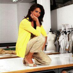 Jueves de @aschlesserforever Mandanos fotos con ropa de otras tempiradas que sigas utilizando y las colgaremos todos los jueves.  # jose toledo #verano 2005 #madeinspain #designer #aschlesserforever #amarillo