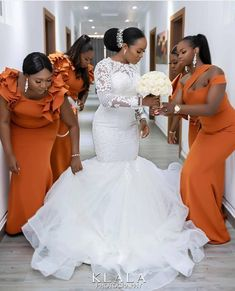 Beautiful wedding gowns - Mammypi Source You are in the right place about Wedding Dresses sencillo H Fancy Wedding Dresses, Stunning Wedding Dresses, Boho Wedding Dress, Bridal Dresses, Bridesmaid Dresses, Beautiful Gowns, Yellow Bridesmaids, Wedding Wear, African Wedding Attire